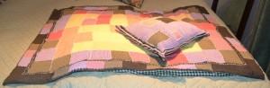 Tietenkin tarvitaan samanlainen tyyny.